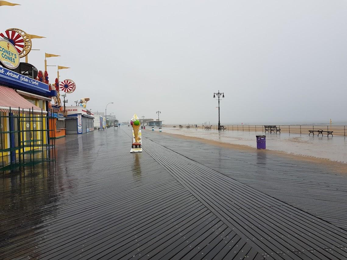Coney Island con la pioggia