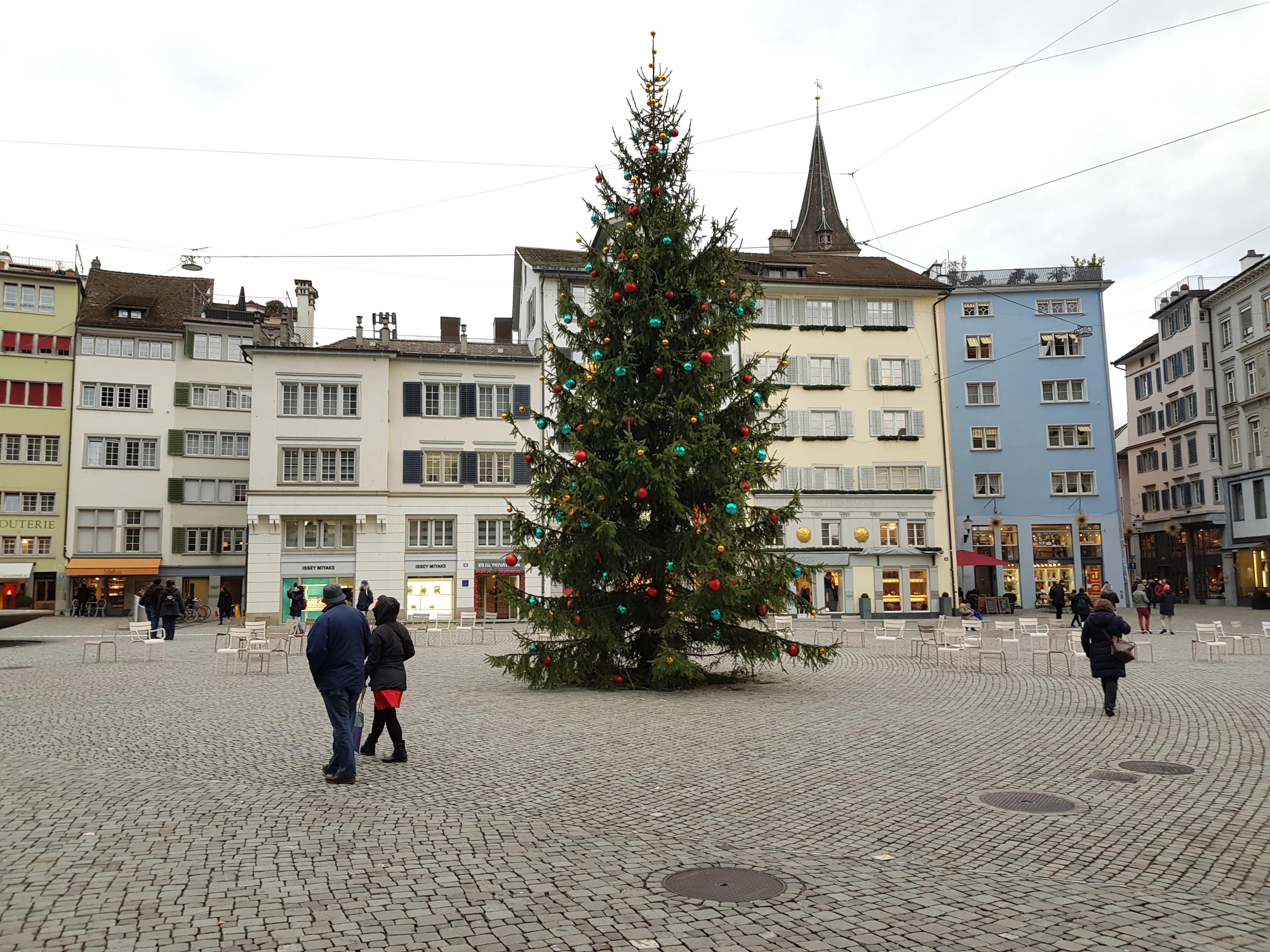 Addobbi Natalizi Zurigo.I Mercatini Di Natale A Zurigo Cosa Vedere Dove Dormire Cosa Mangiare Il Viaggio Che Vale